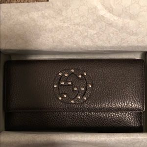 Authentic Gucci Soho Studded Wallet